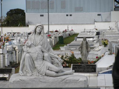 cemetery_001.jpg