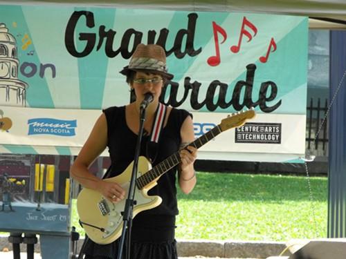 Tanya Davis plays Tunes at Noon